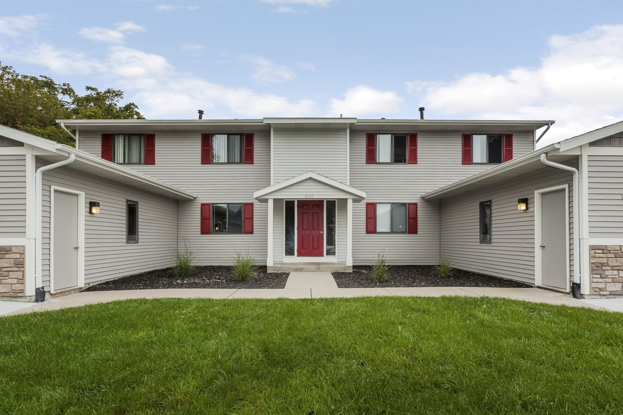 Rockford ridge townhomes rockford mi apartments for 3 bedroom townhomes